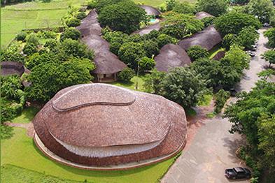 泰国Panyaden:国际学校体育馆 竹建筑