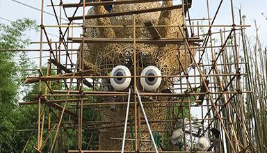 四川:龙泉驿区 锦绣天府  创意竹龙编织 正在如火如荼施工中