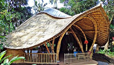如何建造一栋高端特色竹屋呢?