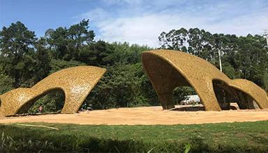 广西南宁市:竹编青蛙 竹景观