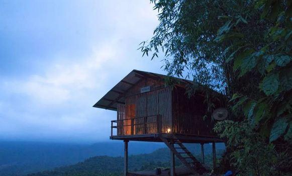 山脚下的特色竹建筑-泰国特色竹屋 与大自然零距离