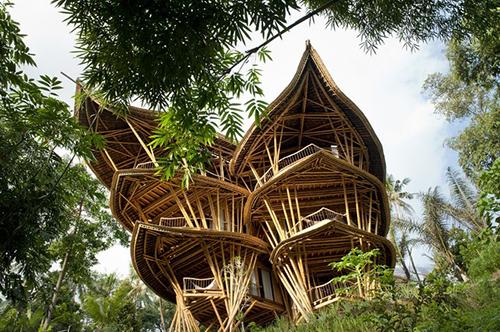 """特色竹结构建筑之令人心旷神怡的""""沙尔玛泉""""竹别墅"""